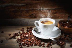 Welche Kaffeebohnen eignen sich am besten für einen Espressokocher?